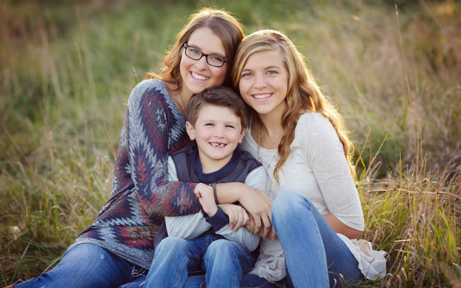 outdoor family photos in Wahoo Nebraska