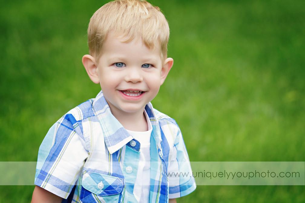 Lincoln Child Photographer - www.uniquelyyouphoto.com