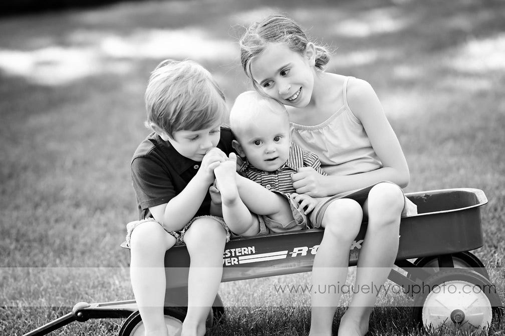 Lincoln Nebraska Child Photographer - Uniquely You Photography - www.uniquelyyouphoto.com