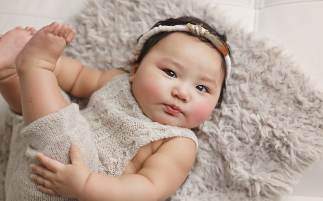precious baby girl 6 month photo session