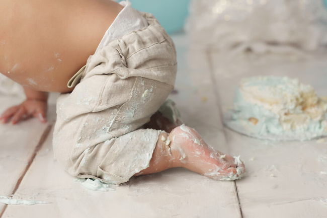 frosting covered foot from cake smash lincoln ne