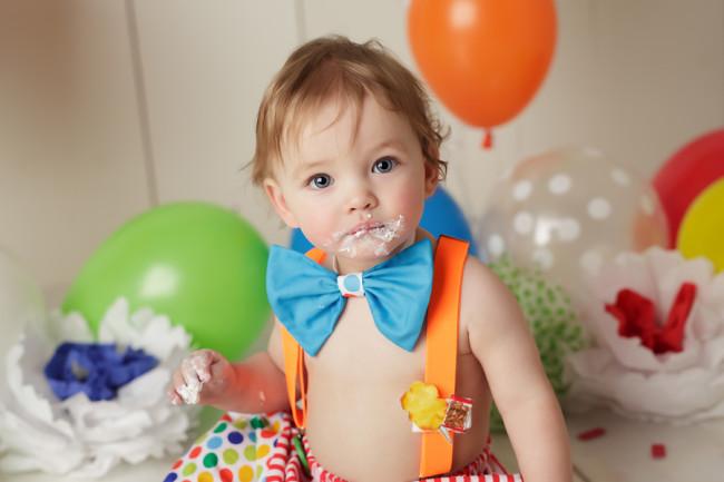 first birthday clown theme cake smash session