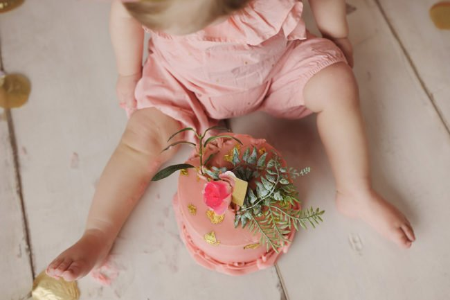 lincoln nebraska cake smash session pink gold flowers