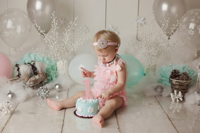 winter wonderland first birthday cake smash lincoln nebraska