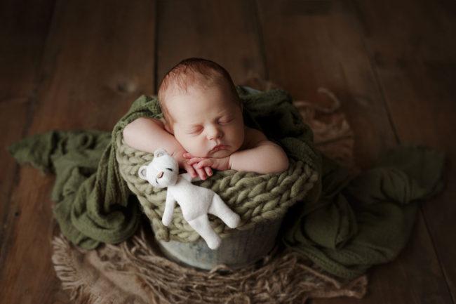 best lincoln nebraska newborn photographer